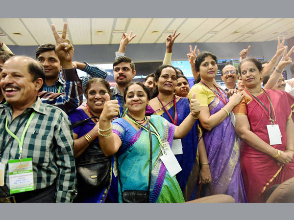 In ISRO, only 2% from IIT, NIT; Will Mangalyaan stop India's brain drain?