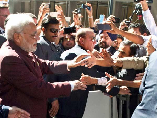 Modi mingles with crowd in US