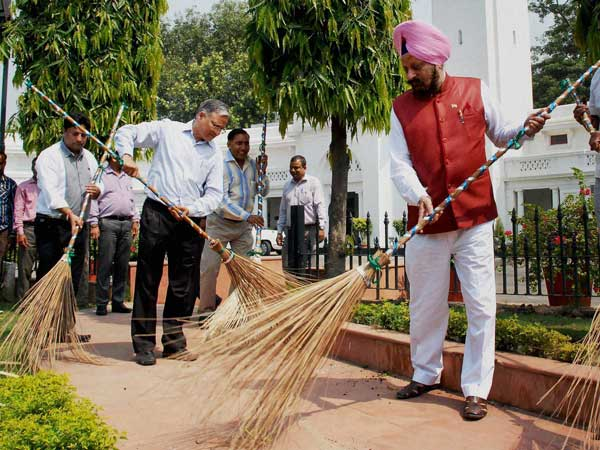 Delhi Assembly Speaker M S Dhir launches the cleanliness drive