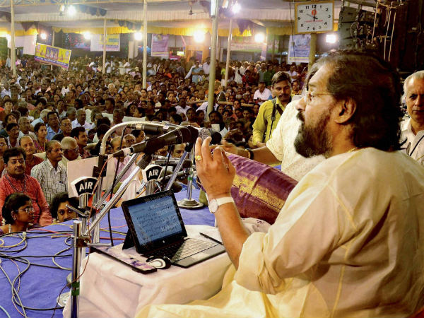 Singer Yesudas lands in controversy