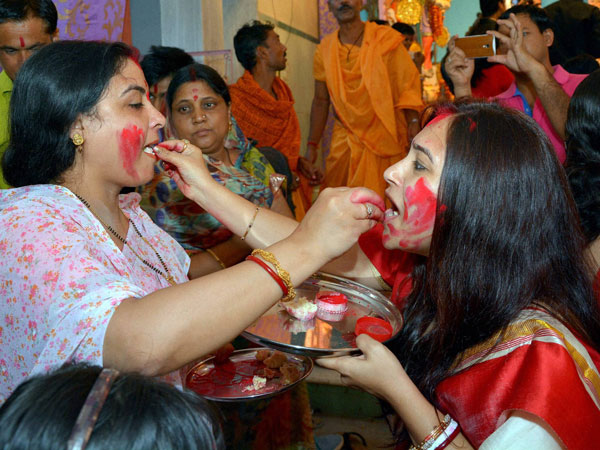 Married women participate in 'Sindur Khela'