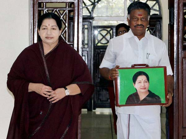 The budget box held by OPS was with a picture of Amma on it