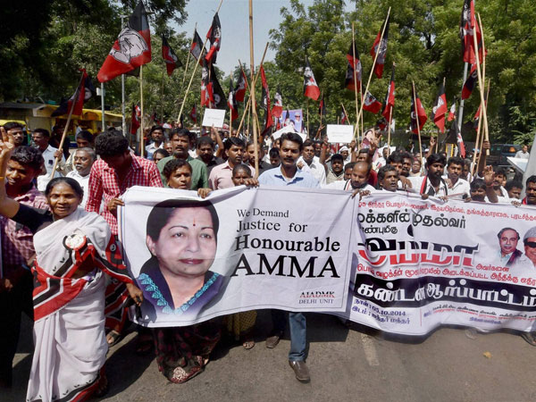 Activists of AIADMK Delhi Unit protest as they demand justice