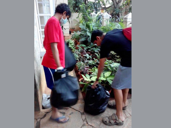 Youngsters join hands to clean up their locality