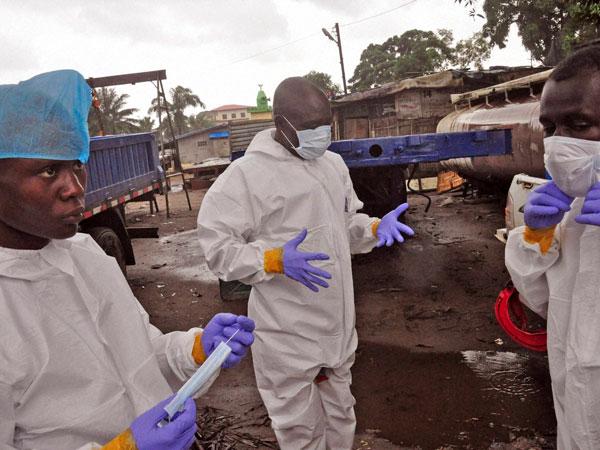 Britain: Man dies of Ebola symptoms