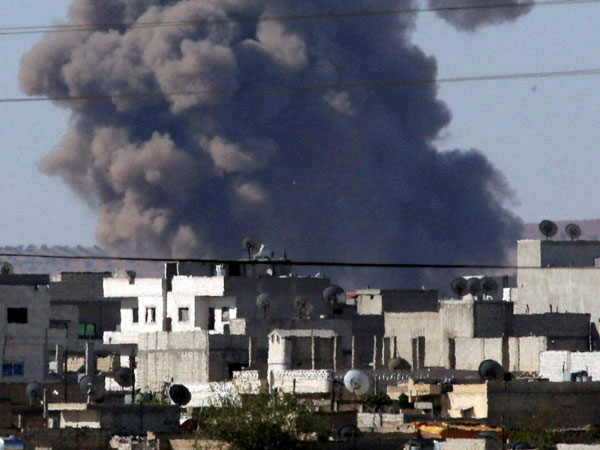 US launches more airstrikes against IS