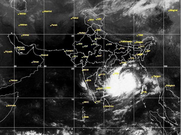 Cyclone Hudhud puts Odisha, AP on alert