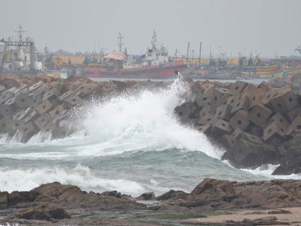Odisha Cyclone Alert! People evacuated