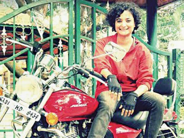 Biker Esha Gupta