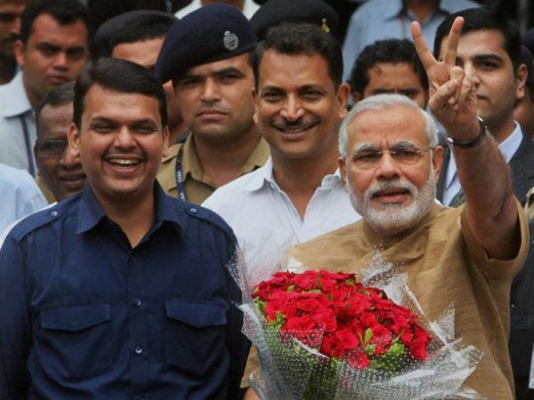 PM Modi with Devendra Fadnavis