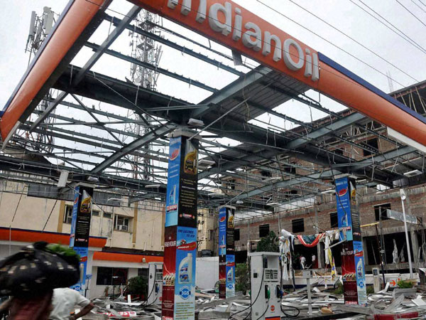 Visakhapatnam remains without power, essential commodities