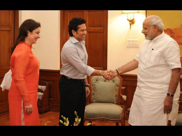 Tendulkar and his wife Anjali meeting Narendra Modi. Photo: PIB Twitter page