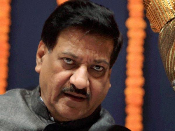 Maha Cong slams Prithviraj Chavan