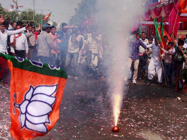 maharashtra, assembly elections 2014, mumbai, tamil nadu, aiadmk, jayalalitha