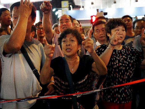 Police condemn Hong Kong protestors