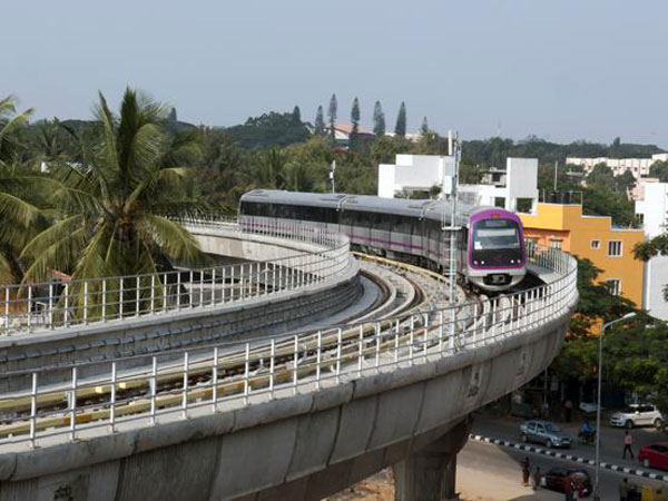Kochi's wait for Metro rail to end soon, Chandy promises speedy completion of work