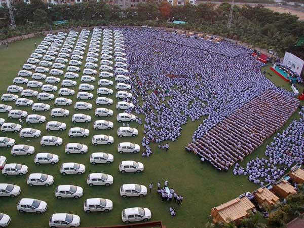 Surat firm employees' memorable Diwali