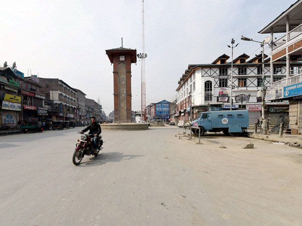 A view of deserted Lal Chowk during a strike call given by separatist groups on Thursday to protest against Prime Minister Narendra Modi's visit to Srinagar to celebrate Diwali with flood victims.