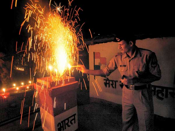 Over 220 fire-related incidents in Delhi on Diwali