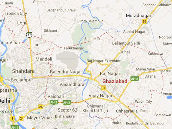 Ghaziabad: Fire breaks out in market