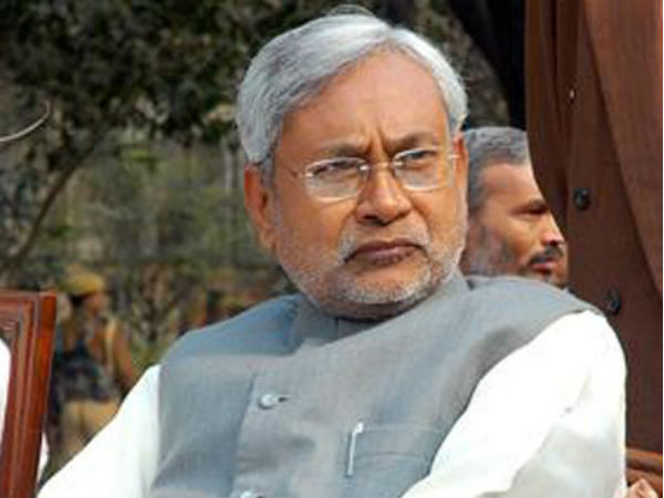 Nitish to hold 'Sampark Yatra' across bihar