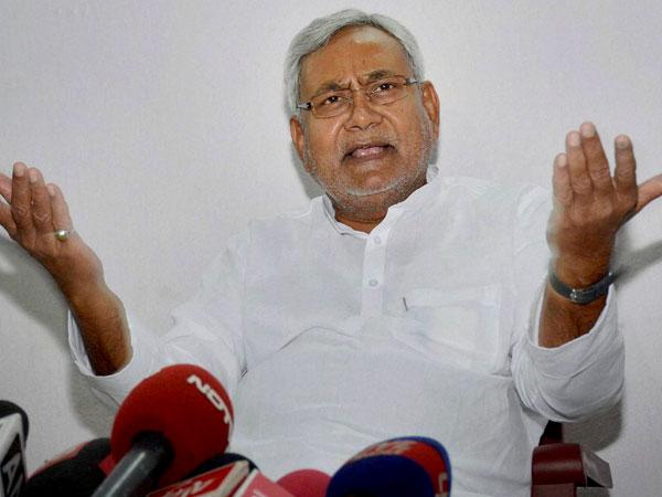 Nitish seeks apology from Railway