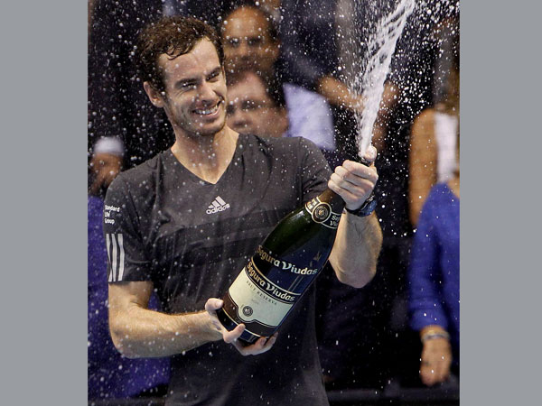 Andy Murray celebrates after his victory