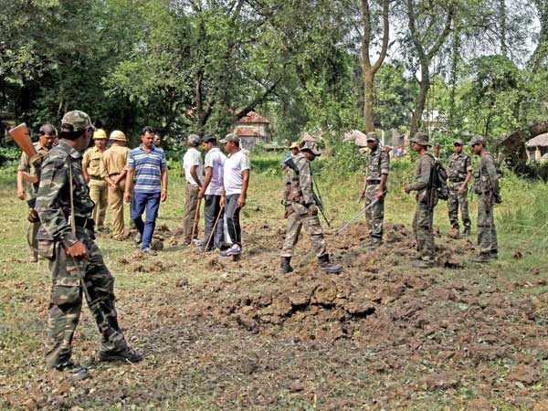 Violence in Bengal district, 3 dead