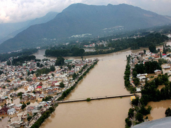 J&K flood funds: Modi hails student