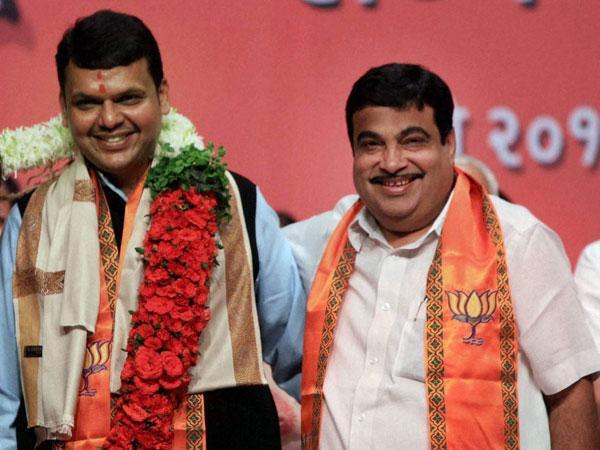 Devendra Fadnavis with Nitin Gadkari.