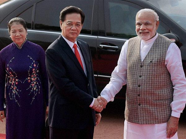 Modi welcomes Vietnamese PM
