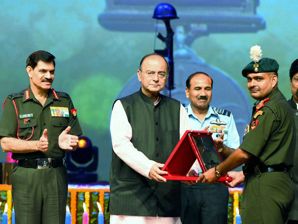 Union Defence Minister, Arun Jaitley with Army Chief General