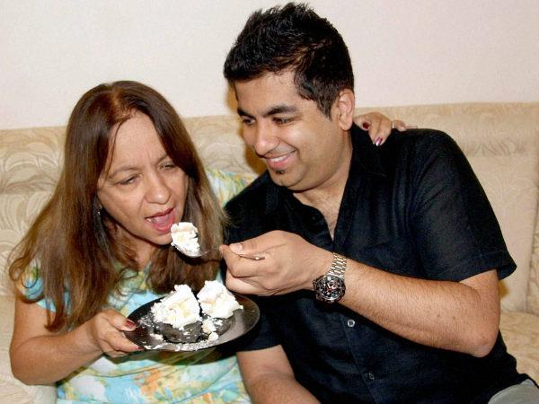 Pankaj's mother and brother celebrate in Bangalore