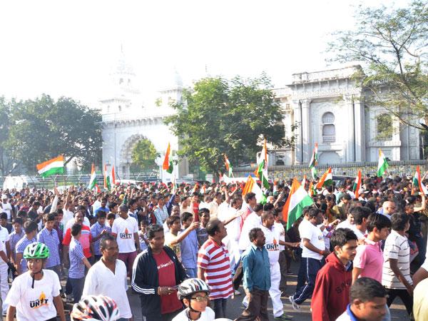 Thousands join 'Run For Unity' in Mumbai