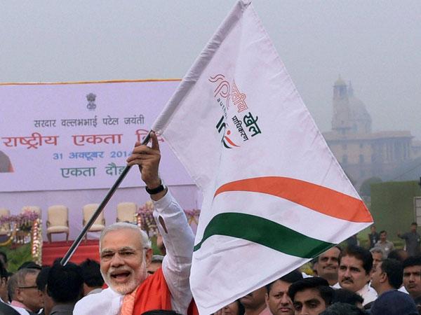 Modi pays floral tribute to Sardar Patel