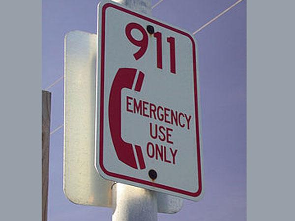 Lady calls 911