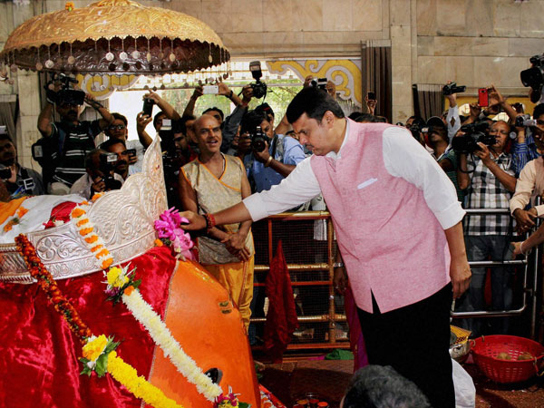 Maharashtra Chief Minister Devendra Fadnavis offers prayers