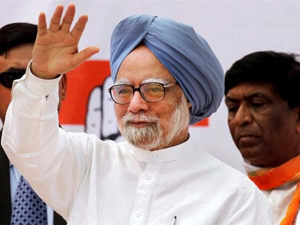 Cong congratulates Manmohan, makes veiled attack on Modi