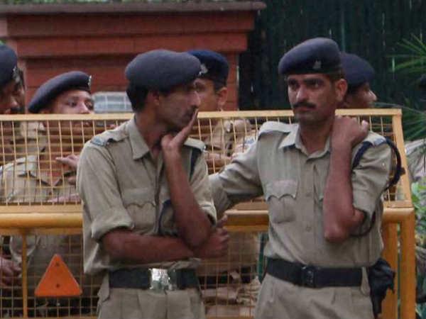 For UP cops, 'filmi' uniforms, Facebook strictly no, no
