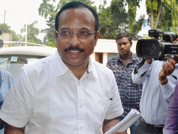 Biju Janata Dal MP Ram Chandra Hansdah arrives at CBI office after he was arrested in connection with the chit fund scam case in Bhubaneswar
