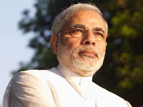 PM Modi greets people on Gurpurab.