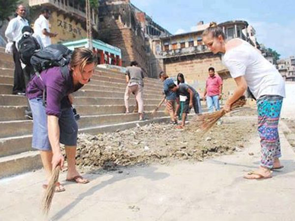 Cleaning mission or photo-op?: Delhi BJP litters street before sweeping it off for Swachh Bharat