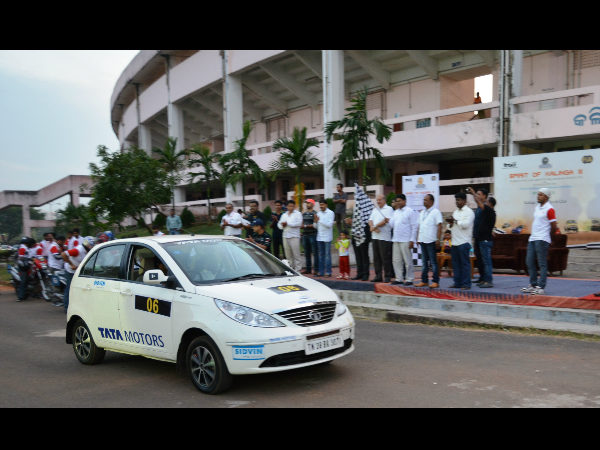 Chidananda Murthy and co-driver BS Sujith Kumar at the ceremonial flag off on Saturday.