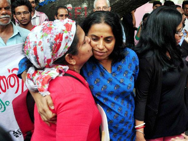 Now, Kiss of Love campaign reaches Delhi
