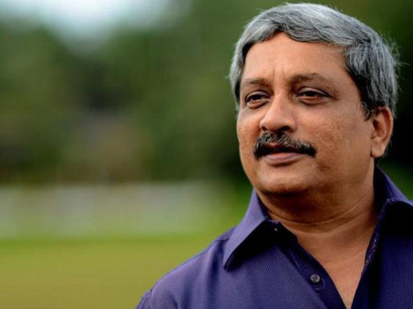Manohar Parrikar resigns as Goa CM