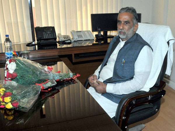 Krishan Pal Gurjar taking charge as the Minister of State