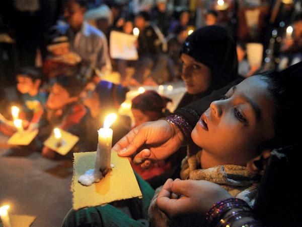 Bhopal gas victims begin indefinite fast