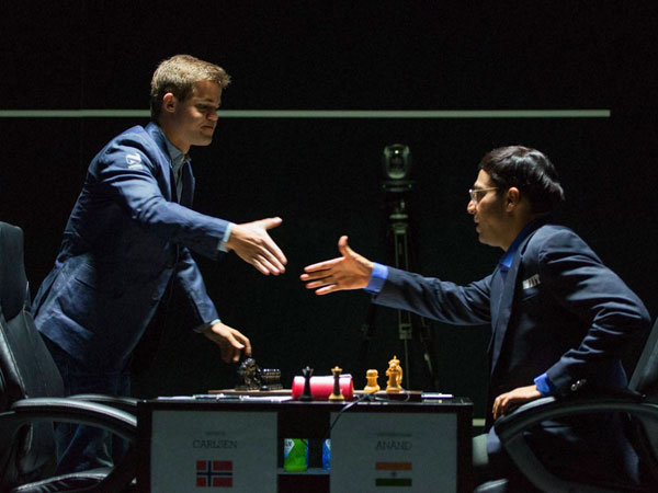 Anand holds Carlsen in 4th game