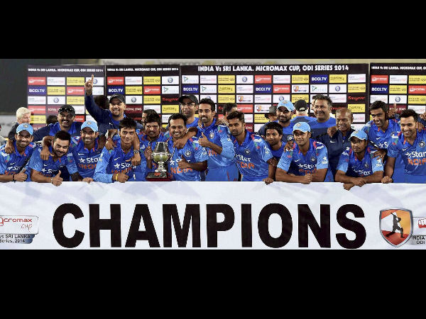 Indian players with the trophy after the win in Ranchi
