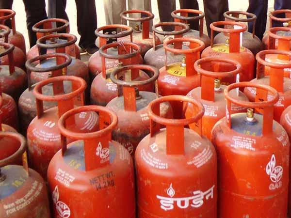 Achche din are here! After petrol, now LPG price cut by Rs 113/cylinder.